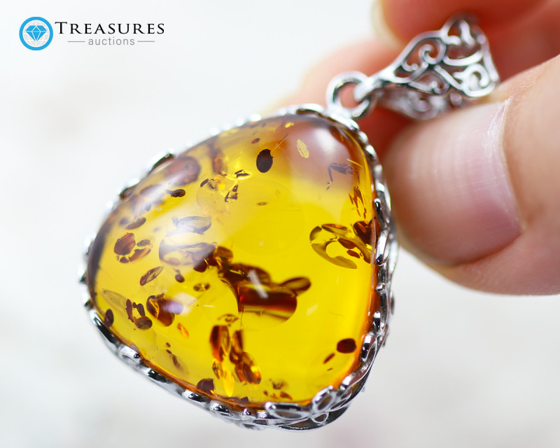 12Cts Baltic Amber Sale, Silver Pendant - AM 1979