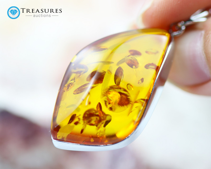 26Cts Baltic Amber Sale, Silver Pendant - AM 1981