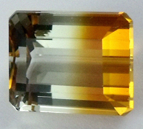13.75 CTS BI COLOR GEMSTONE (SYNTHETIC CITRINE )  PG 90