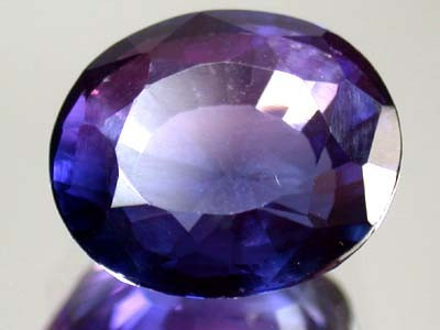 9.1 CTS BRIGHT COLOR GEMSTONE (SYNTHETIC SAPPHIRE )  PG35