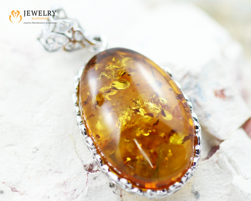 25Cts Baltic Amber Sale, Silver Pendant - AM 2046