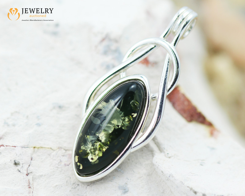 6Cts Baltic Green Sale, Silver Pendant - AM 2058