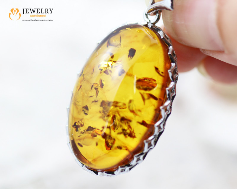27Cts Baltic Amber Sale, Silver Pendant - AM 2072