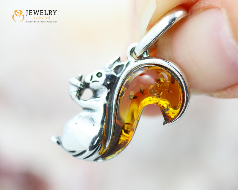 2Cts Baltic Amber Sale, Silver Pendant - AM 2078
