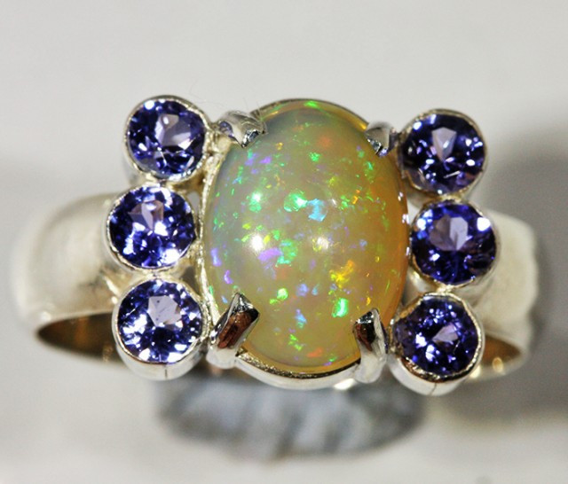9.5 SIZE STUNNING WELO WITH 6 TANZANITES FACTORY [SOJ3151a]
