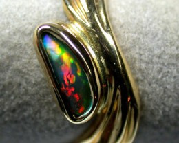 RED FIRE OPAL RING 18K  YELLOW  GOLD  RING  SIZE 6   SCA 743