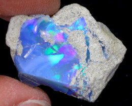 8cts Natural Ethiopian Welo Rough Opal / WR7072