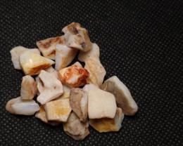 Coober Pedy Rough stone 80 carats