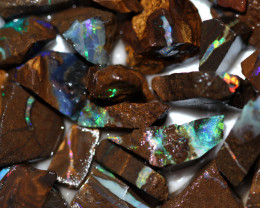 585.35 CTS BOULDER OPAL ROUGH OFFCUTS [PS782]