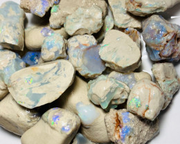 850Cts of Multicolour Beautiful Seam Opals - Specimens or Carvers