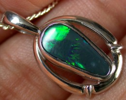 GREEN FLASH BLACK OPAL 18K WHITE GOLD PENDANT 1.1CTS SCA1356