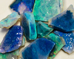 28 Cts of Very Bright Rough Seam Opals to Cut