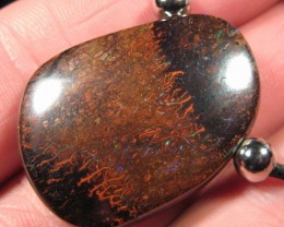 :LARGE PIN FIRE OPAL PENDANT,93.0 .CTS FROM : C / O :.