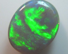 this stone has nice bright colour play