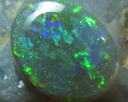 DIFFERENT SHADES OF GREEN FIRE PERFECT RING STONE 7 X 5 MM A204
