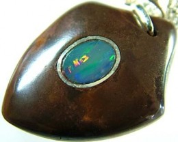 OPAL INLAY PENDANT/SLIVER CHAIN-31 CTS  [BMP1475 ]