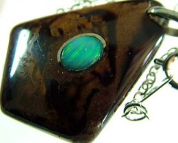 OPAL INLAY PENDANT/SLIVER CHAIN-28 CTS  [BMP1489 ]