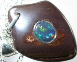 OPAL INLAY PENDANT/SLIVER CHAIN-31 CTS  [BMP1518 ]