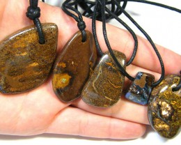 FIVE (5)NATURAL PENDANTS SOURCED KOROIT    OM 1557