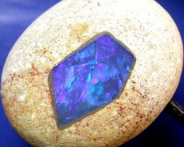 ''NEW LINE' OPAL IN SHIN CRACKER.[ JP 69]  75.36  CTS FROM S