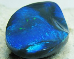 BEAUTIFUL BLACK OPAL 22.30 CTS CONCAVE SURFACE CARVED A572