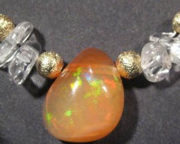 Beautiful Necklace, Opal does have an crack but seems to be very stable.