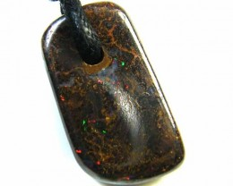RED FLASHES QUILPIE BOULDER OPAL PENDANT    28  CTS MM 388