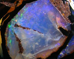 GOOD   PATTERN YOWAH OPAL     11.7 CTS  JO 784
