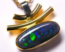EYE CATCHING UNIQUE MODERN DESIGN 18K OPAL PENDANT SCO257