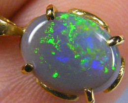EMERAD GREEN FLASH SOLID CRYSTAL OPAL 18K GOLD PENDANT SCO277