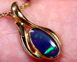 DEEP BLUE FLASH SOLID BLACK OPAL 18K GOLD PENDANT SCO345