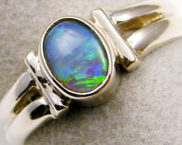 GREEN  CRYSTAL  OPAL 18K WHITE   GOLD RING SIZE  6 CJ 15