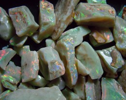 AAA WHTIE OPAL ROUGH -LAMBINA MINE 2000 CTS  AND-91762