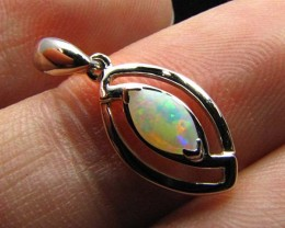 BEAUTIFUL  CRYSTAL  OPAL 18K  WHITE GOLD PENDANT CJ 490