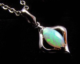 BEAUTIFUL CRYSTAL  OPAL 18K  WHITE GOLD PENDANT CJ 492
