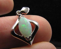 BEAUTIFUL CRYSTAL  OPAL 18K  WHITE GOLD PENDANT CJ 495