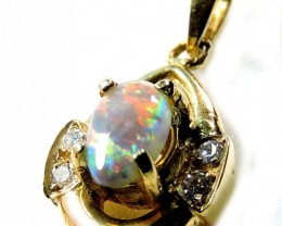 STRIKING SOLID WHITE CRYSTAL OPAL 18K PENDANT SCO217
