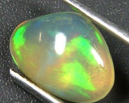 GREEN ROLLING FIRE ETHIOPIAN OPAL 0.85 CTS  FOB  68