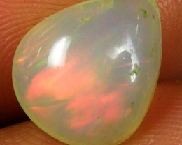 RED FLASH ETHIOPIAN OPAL  1.95 CTS  FOB 104