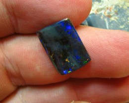 NICE MULTI COLOR FLASHES IN THIS STONE