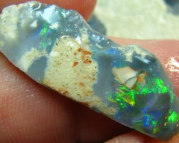 VERY BRIGHT ELECTRIC COLOR BLACK OPAL ROUGH RUB 10.45 CTS