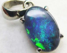 BLACK OPAL PENDANT 18 K  WHITE GOLD   CK 174