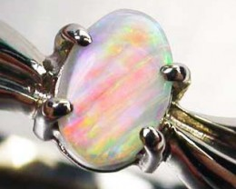 CRYSTAL OPAL RING SIZE 6    18 K WHITE  GOLD   CK 196
