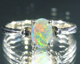 BLACK OPAL RING SIZE 5     18 K  WHITE GOLD   CK 230