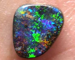 RICH COLOUR FIRE SOLID BOULDER OPAL 1.25 CTS GR1677