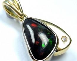 BEAUTIFUL RED FLASH BLACK OPAL 18K GOLD PENDANT SCO652