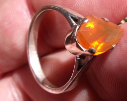 NATURAL ORANGE FIRE OPAL  & 925 STERLING SILVER RING SZ 8.25
