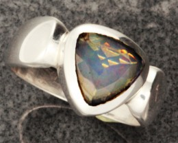 FIREY WELO OPAL-FACETED SILVER RING. RING SIZE 7.5 [SOJ1089]
