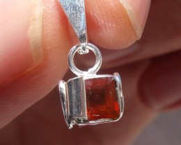 CHERRY FIERY OPAL MEXICAN GEMSTONE SILVER PENDANT P003