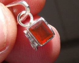 FIRE OPAL CHERRY GEMSTONE & SILVER FASHION PENDANT P010